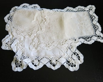 Ivory Linen Runner 2 Doilies Cluny Lace Edges White Work Embroidery  13b
