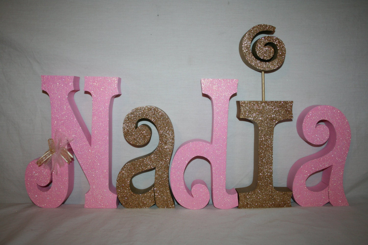 Gold custom decor 5 letter set glitter gold nursery letters for Decoration 5 letters