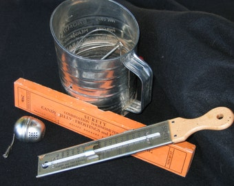 Bundled Set of Vintage Baking Items, Bromwell Sifter, Surety Combo Thermometer and Tea Diffuser