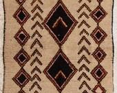 240x140cm (7,9 X 4,6 feet)FREE SHIPPING WORLDWIDE AZ27058 Azilal ,Ourika ,Beni Ourain vintage berber rug Morocco,wool carpet , boucherouite