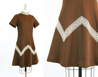 Vintage 1960s dress . Owl Cave . brown knit 60s dress with embroidered chevron . 1960s Toni Todd chevron dress . md / medium