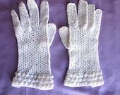 Vintage Lace Gloves Hand Made in France, Crochet White Gloves, French Knot, Formal Gloves,White Lace Gloves, Flower Girl, Pristine Condition