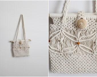 Vintage 70s Boho Hippie Macrame Handbag/ Crochet Purse/ Natural beaded handbag /