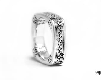 Celtic Square knot - Celtic ribbon Sterling silver ring, square band
