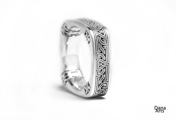 Celtic Square knot - Celtic ribbon Sterling silver ring, square band