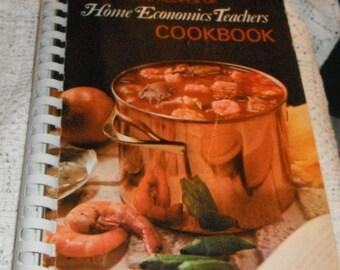Vintage The Favorite Recipes of Home Economics Teachers Cookbook 1970 book