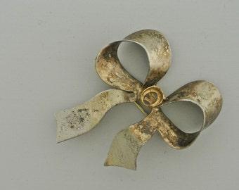 Sterling Silver Bow Brooch.