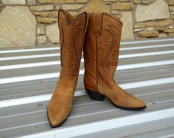 Maine Woods Leather Western Boots Ladies Size 6M, Size 6M Ladies Tan Leather Cowboy Boots