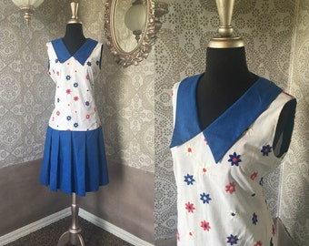 Vintage 1960's Red White and Blue Daisy Print Drop Waist Dress M/L