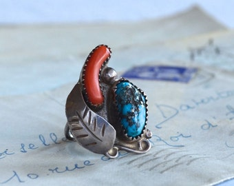 Vintage Southwestern Native American Turquoise and Coral Ring - Size 5.25