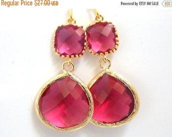 SALE Gold Fuschia Earrings, Glass Earrings, Fuchsia, Hot Pink, Dark Pink, Wedding Jewelry, Bridesmaid Earrings, Bridal Jewelry, Bridesmaid G