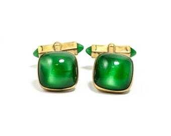 Beautiful Vintage Green Glass and Gold Cufflinks