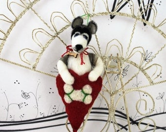 Needle felted Siberian Huskey, felted huskey figurine, dog lover ornament, black and white dog, custom ornament, ready to mail ornament