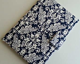iPad/iPad air/iPad Pro 9.7/Kindle HD 8.9/10 cover/Samsung Tab A 9.7 cover quilted in Navy Damask print