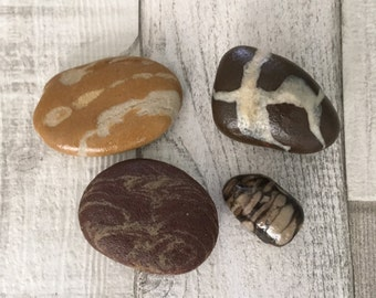 Natural Patterned Beach Pebbles