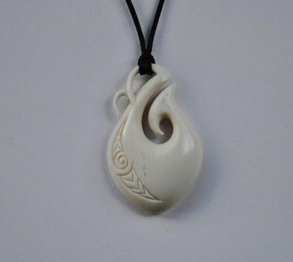 Maori fish hook maui pendant symbolising strength good for Maui fish hook necklace
