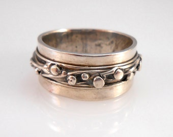 Fine Silver Band with Organic Design of Lines and Dots