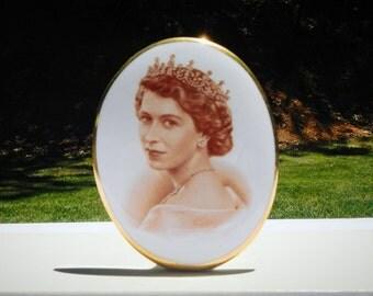 H.M. Queen Elizabeth II June 2nd Coronation 1953 Tuscan Vintage Bone China C9823
