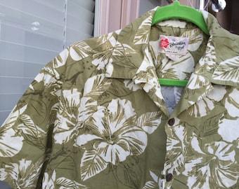 Hilo Hattie Hawaiian shirt vintage  coconut shell buttons  khaki / white hibiscus Medium M size