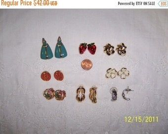 20 OFF EVERYTHING Vintage Jewelry(Lot 13). Medium and Small VI.