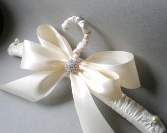 Grande Satin Wedding Hanger. Padded White or Ivory Satin. Bridal Shower GIFT Satin Jeweled Bow. Elegant Vogue Brid