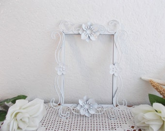 Ornate White Shabby Chic Floral Picture Frame 5 x 7 Up Cycled Vintage Wedding Photo Decoration Beach Cottage French Country Home Decor Gift