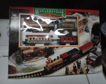 Wintersville Express Train Set Battery Operated w Working Headlamp