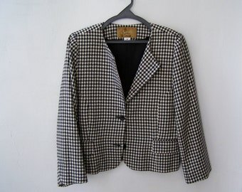 Vintage Checkers Women Wool Jacket, Padded Shoulders Size 16 XL Coco Chanel Inspired Warm V Neck Winter Short Blazer Ladies Coat size 44 46