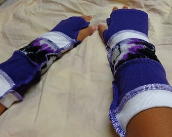 Hello Kitty purple print arm warmers set