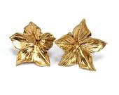 Petunia earrings - Flower earrings - Golden flower earrings - Petunia flower earrings