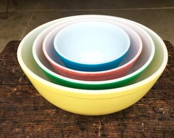 Vintage 1950's Pyrex Nesting Bowls Primary Colors