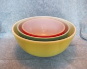 Pyrex Primary Colors Mixing Bowl Set of 3 From 1940s