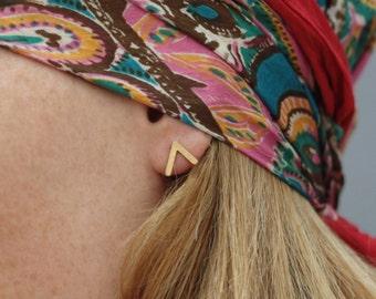 Gold V Earrings , Gold Post Earrings , Minimalist Earrings , Geometric Earrings , Modern Earrings , Tiny Geometric Studs , V Studs , V Posts