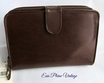Ladies Brown Vinyl Clutch Wallet Zippered Organizer NOS Casual Corner