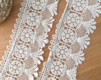Cotton lace trim in beige color vintage style , crochet retro lace trim by the yard 9.5 cm wide
