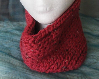 Super Warm, Crocheted Chunky Cowl in Red with Flecks