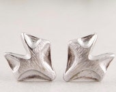 FOXY >> 18k rose gold or silver fox studs