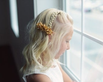 The Wood Anemone: Flower Girl Hair clip in Gold