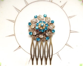 Wedding Hair Comb, Vintage Turquoise Hair Comb, Brooch Hair Comb, Blue Rhinestone Comb, Brides Hair Comb, Something Blue, Vintage Brooch