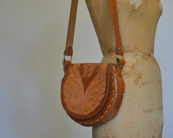 70s tooled leather bag - leather purse - boho