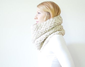 SUMMER SALE the PISGAH cowl - chunky crochet scarf cowl - oatmeal - wool blend