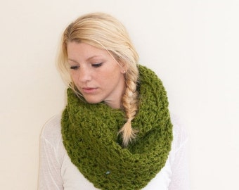 FLASH SALE The CHARLOTTE infinity - Chunky Cowl Scarf Infinity Scarf Hooded Scarf - avocado - limited quantities