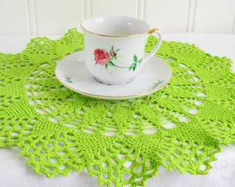 Green crochet doily , vintage Swedish handmade , home decor, please see details