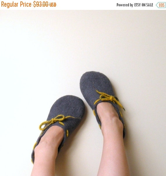 SALE Mothers day gift - women slippers - Felted wool women slippers Grey yellow - wool clogs - made to order - cozy warm