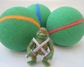 NINJA TURTLE - Bath bombs with toy figure inside