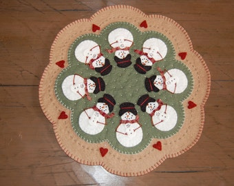 Wool Felt Snowmom and baby Candle mat
