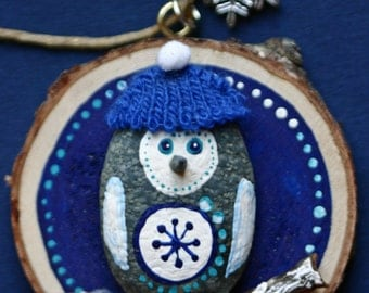 Snow owl, painted rock on wood slice, Christmas ornament, winter, found art, pebble, round, blue and white, owl on stick, hat