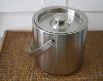 Modern ice bucket, stainless steel ice bucket, vintage ice bucket, metal ice bucket, wine chiller