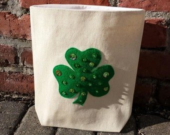 Reusable Snack Bag with Velcro Closure: Sequin Shamrock