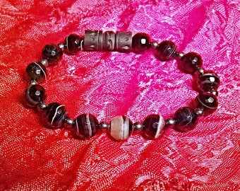 "Unisex Bracelet : Genuine Faceted Onyx, Hematite and Carved wood, Shiny ""I Am Complete"""